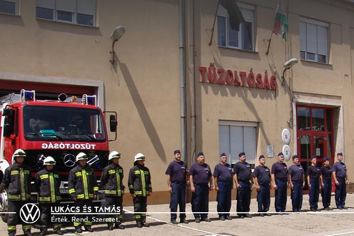 Váci tűzoltók támogatása